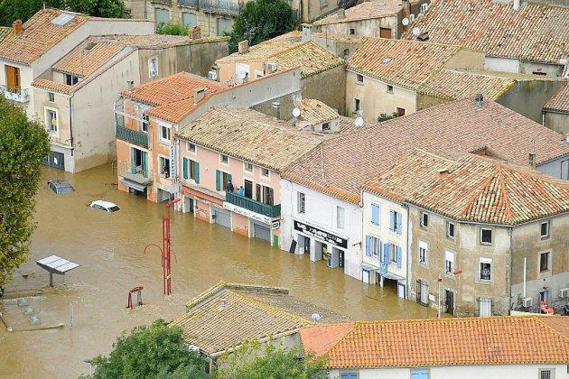 Macron dans l'Aude une semaine après des inondations meurtrières