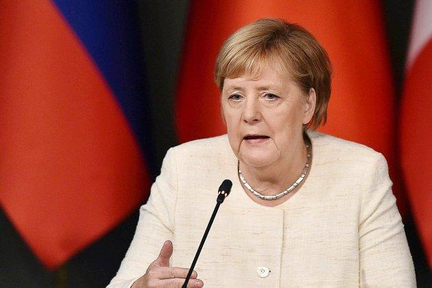 Allemagne : Merkel au chevet de sa coalition après un revers électoral cinglant