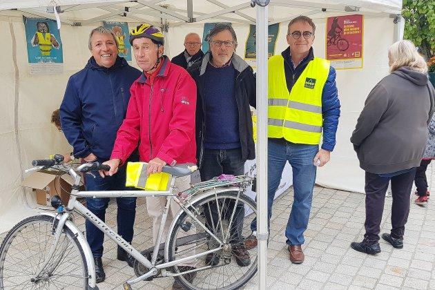 Heure d'hiver: piétons et cyclistes, restez visibles!