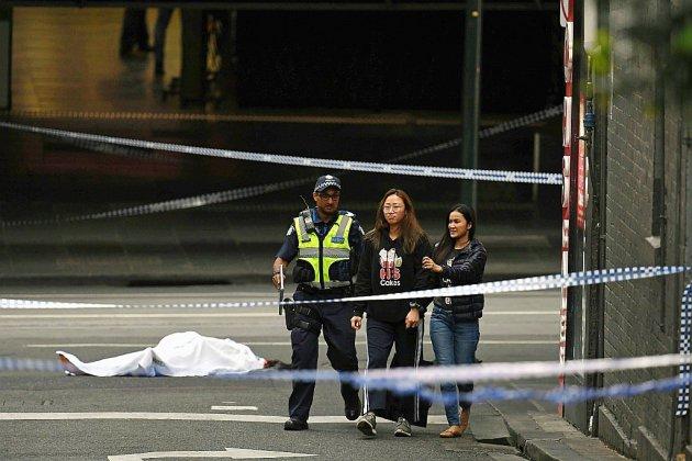 """Australie: une attaque """"terroriste"""" au couteau fait un mort à Melbourne"""