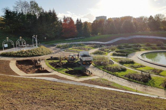 Caen: une nouvelle roseraie pour la Colline aux oiseaux