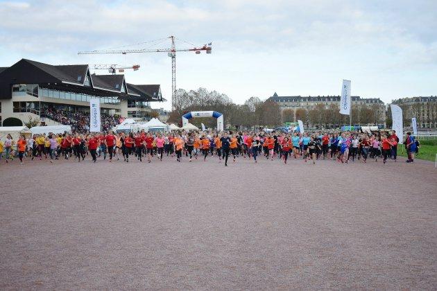 [Photos] Caen: 4 000 jeunes courent le cross scolaire départemental