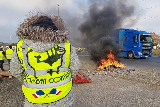 Trois gilets jaunes légèrement blessés en Seine-Maritime