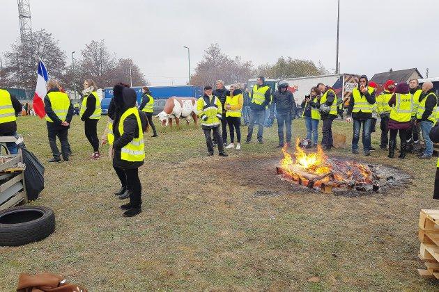 """96 points de blocage et 7 900 """"gilets jaunes"""" mobilisés en Seine-Maritime à 14 heures"""