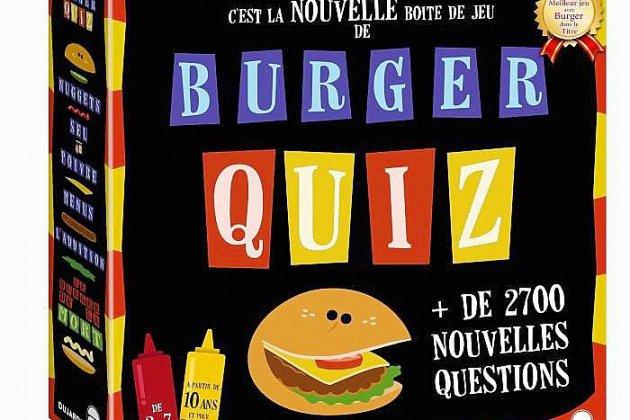 """Cyril remporte son jeu """"Burger Quiz"""" en découvrant l'objet mystère"""