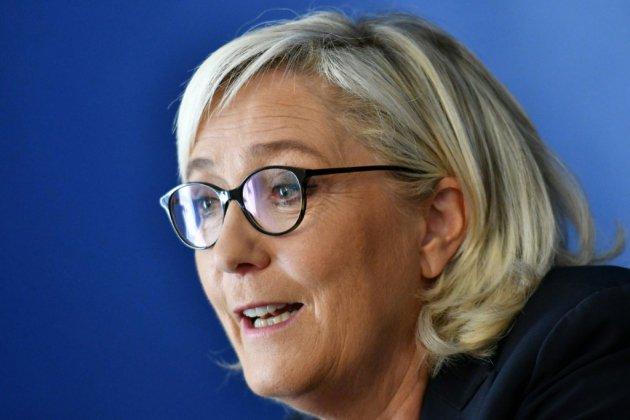 """""""Gilets jaunes"""": Le Pen et le gouvernement s'accusent mutuellement des violences à Paris"""