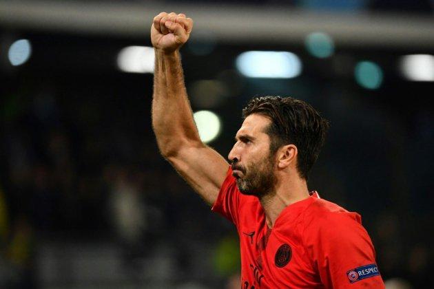PSG-Toulouse: Buffon dans les buts parisiens, Alves et Kurzawa sur le banc
