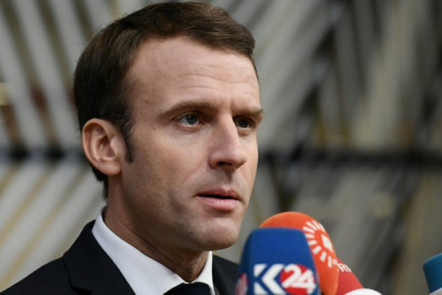 """Face aux """"gilets jaunes"""", Macron veut un """"pacte social"""""""
