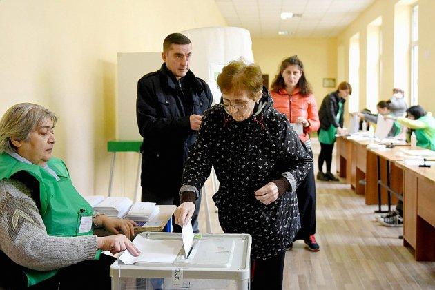 Géorgie: un second tour et une élection présidentielle test pour le parti au pouvoir