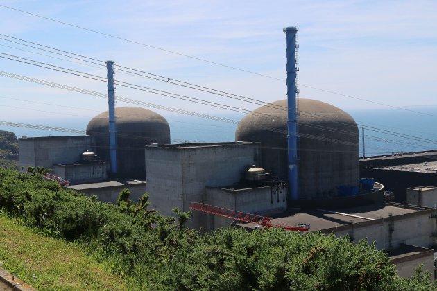 Grève chez EDF: barrage filtrant à la centrale de Flamanville