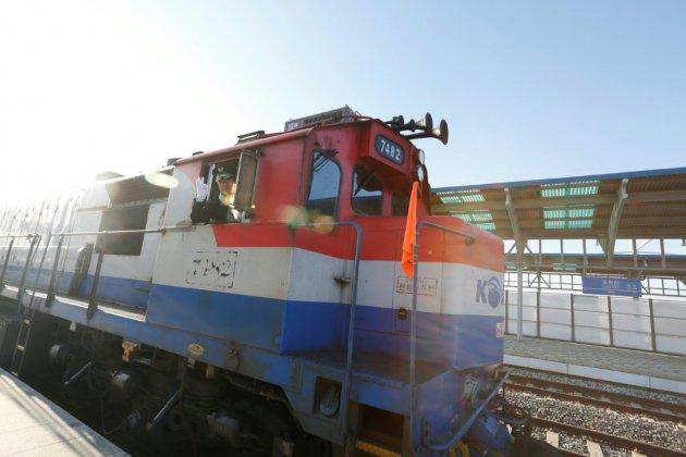 Un train sud-coréen au Nord avant un possible rapprochement ferroviaire