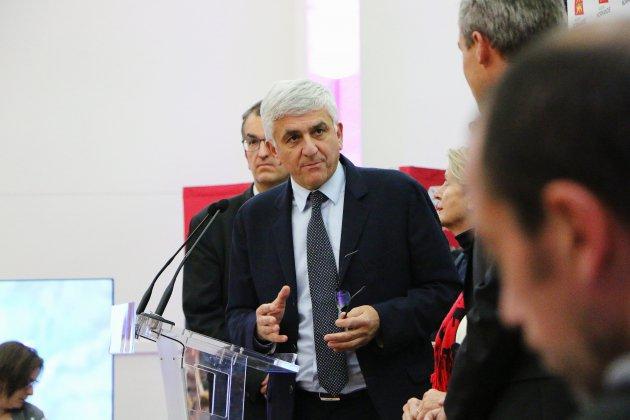 Pourquoi le président Hervé Morin met du persil plat dans ses chaussettes?