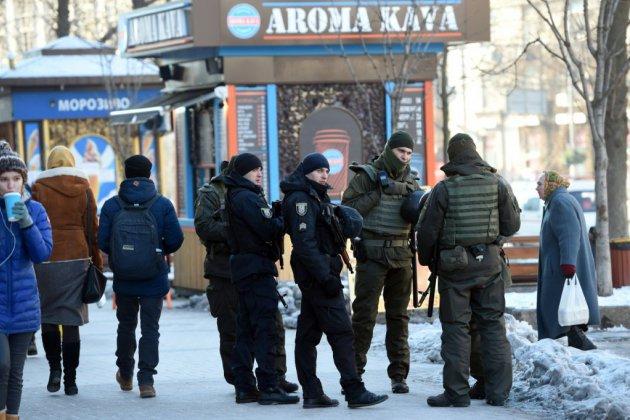 L'Ukraine ferme ses frontières aux hommes russes, la crise pèse sur le G20