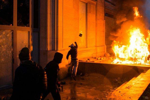 """""""Gilets jaunes"""": le gouvernement craint une """"très grande violence"""" samedi"""