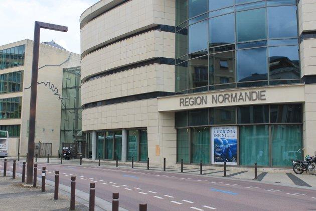 À Rouen, l'hôtel de la région Normandie menace de s'effondrer