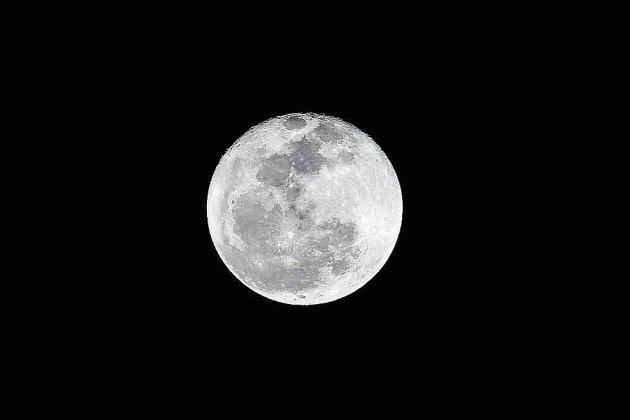 La Chine lance un module d'exploration vers la face cachée de la lune