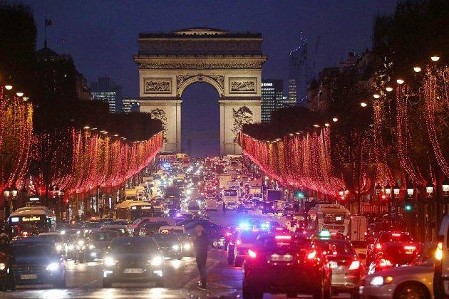 """""""Gilets jaunes"""": la France sous tension à l'aube d'un samedi à risques"""