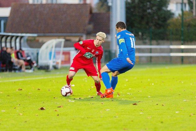 Football: vainqueur à Avranches, le FC Rouen s'installe en tête!