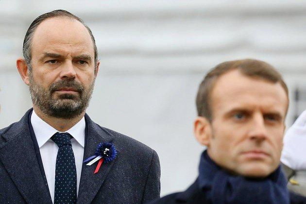 """""""Gilets jaunes"""": Macron et Philippe en mission pour éviter un """"acte V"""""""