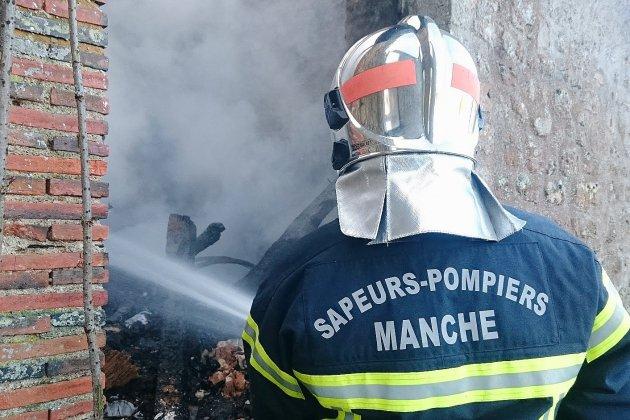 Manche: un hangar agricole détruit par le feu