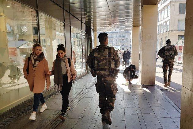 Fusillade à Strasbourg: sécurité renforcée au marché de Noël de Rouen