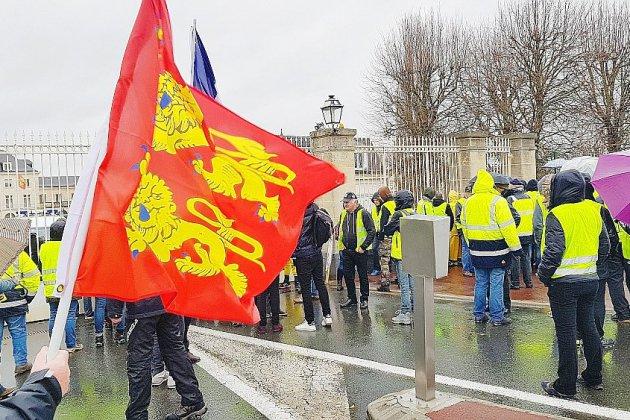 Calvados, Orne, Manche : les gilets jaunes restent déterminés