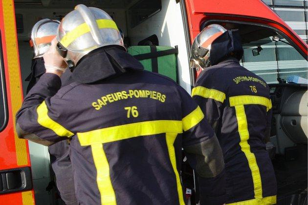 Pays de Caux: un camion transportant 11 000 litres de fioul se renverse