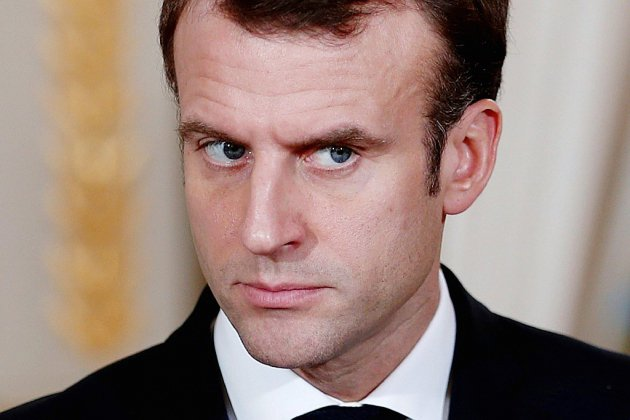 """""""Gilets jaunes"""": Macron mobilise pour lancer la """"grande concertation"""""""