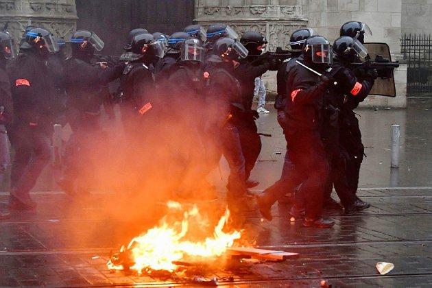 """L'Intérieur confronté à une fronde dans la police dans le sillage des """"gilets jaunes"""""""