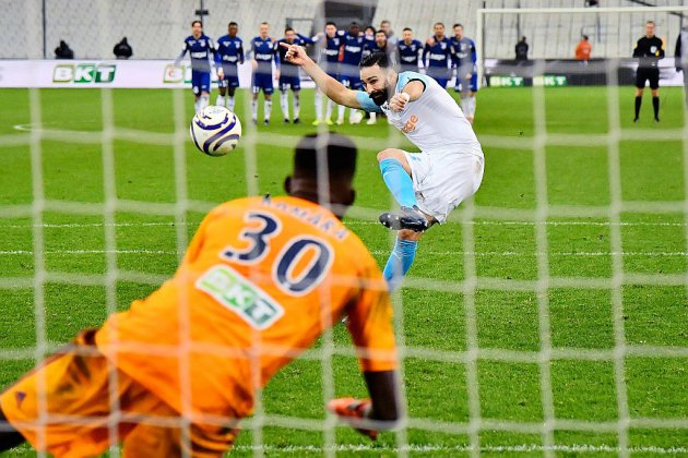Coupe de la Ligue: Marseille s'enfonce, Lyon et Monaco passent dans la douleur
