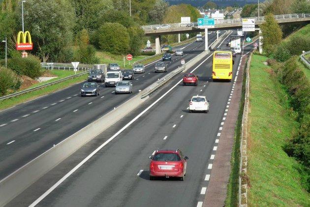 Gasoil sur la route: accidents en série sur le contournement d'Avranches