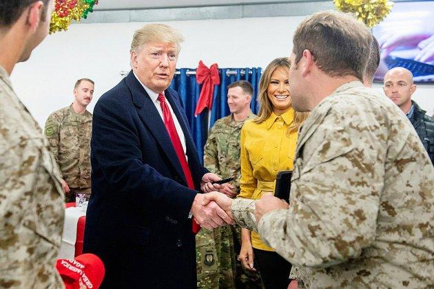 Visite surprise de Trump en Irak, la première en zone de conflit depuis son élection