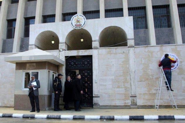 Les Émirats rouvrent leur ambassade à Damas, Bahreïn pourrait suivre