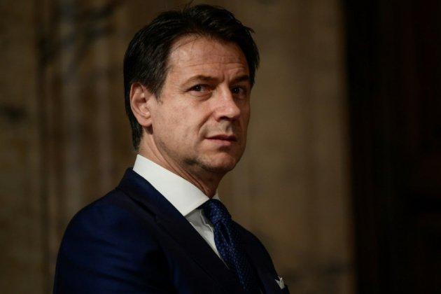 """Foot italien: le chef du gouvernement favorable à une """"pause"""""""