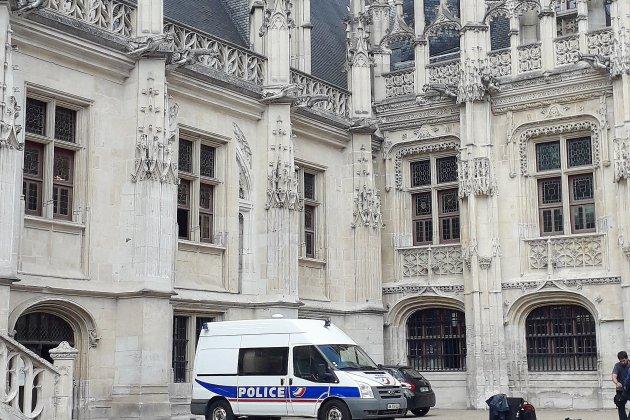 Du travail d'intérêt général pour un lycéen violent, près de Rouen