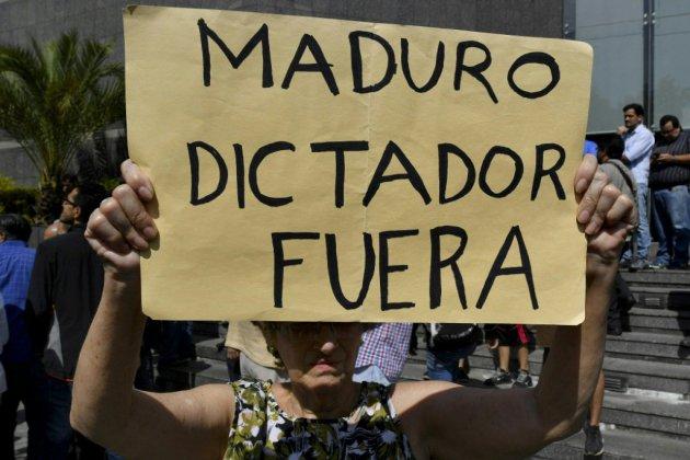 """Venezuela: appel à une mobilisation pour un """"gouvernement de transition"""""""