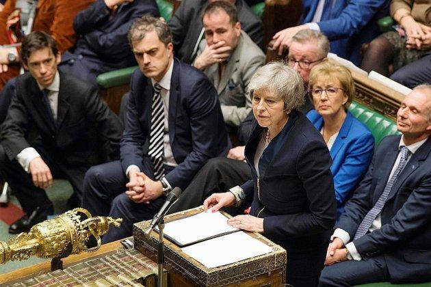 Lourdement défaite sur le Brexit, Theresa May face à une motion de censure