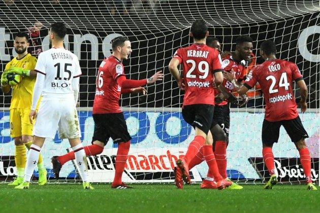 Matches en retard L1: première pour Guingamp, derby azuréen à suspense