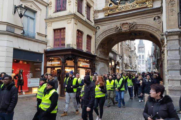 Gilets jaunes à Rouen: -50% de chiffre pour les commerçants du centre-ville