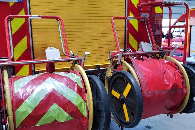 42 pompiers luttent contre un feu dans la Manche
