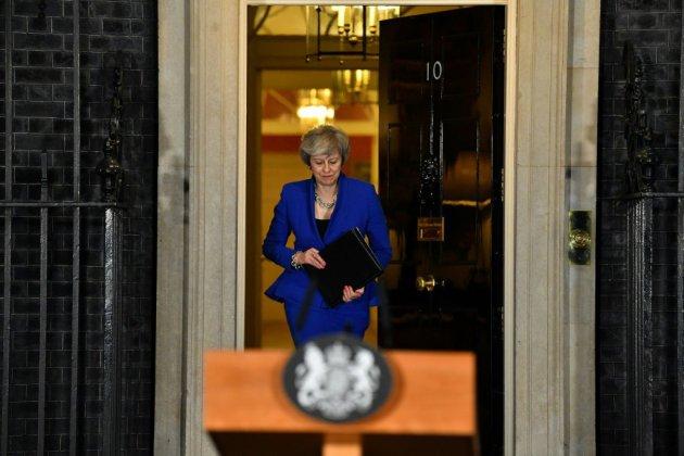 """Brexit: Theresa May de retour dans l'arène du Parlement pour présenter son """"plan B"""""""