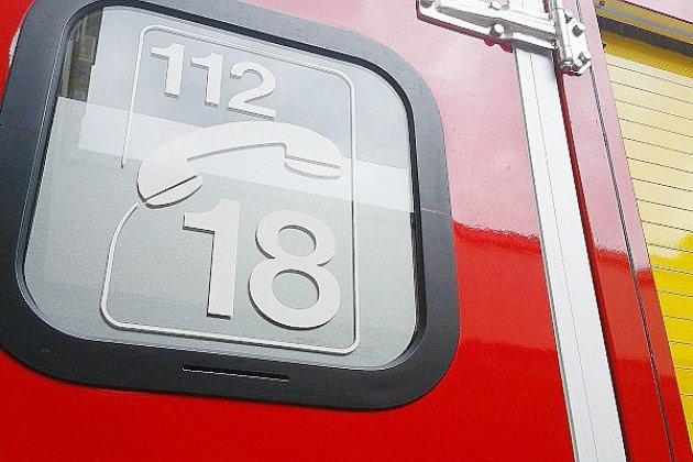 Un véhicule se renverse sur l'A28: un blessé léger, l'autoroute coupée