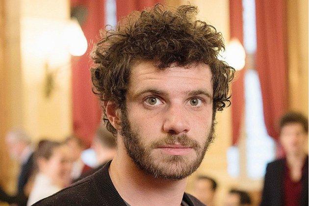 """Félix Moati, créateur de """" Deux fils """", est au Lux de Caen ce vendredi"""