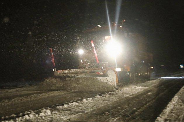 Neige en Seine-Maritime: les équipes s'organisent pour maintenir la circulation