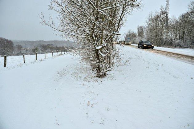 Neige: routes, trains et avion très perturbés durant la nuit en Isère