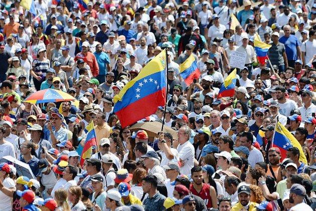 Venezuela : pressions européennes sur Maduro, ferme sur ses positions