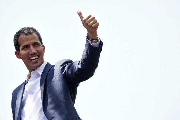 """La France reconnaît Juan Guaido comme """"président en charge"""" du Venezuela"""