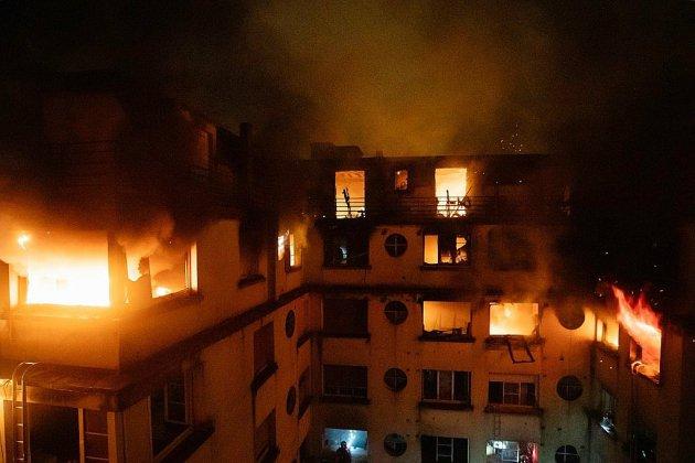 Huit morts dans l'incendie probablement criminel d'un immeuble à Paris