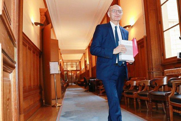 La Cour des comptes met le gouvernement au défi de baisser les dépenses