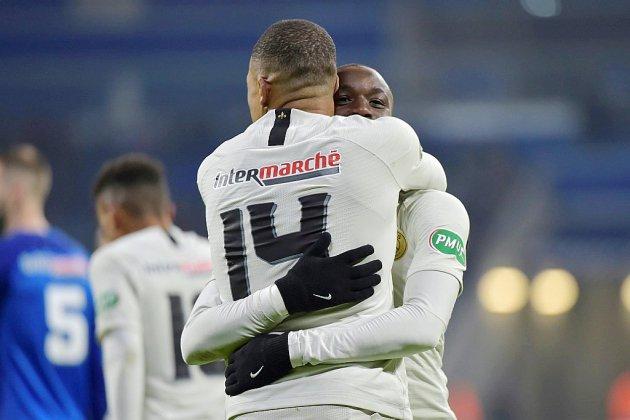 Coupe de France: Paris ne rassure pas, Vitré renverse Lyon-Duchère
